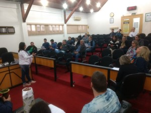 Secretaria, sindicatos e vereadores reunidos