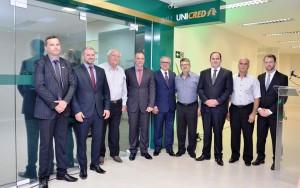Vereador Tadeu Machado, entre outras autoridades, prestigiando a inauguração