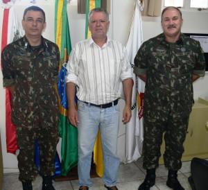 Presidente Décio Loureiro recebeu o General Raul e o Tenente Alencar