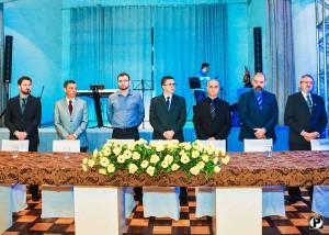 Vereador Tadeu Machado entre outras autoridades prestigiando a posse da nova diretoria do CES. FOTO: Portifólio Films