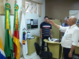 Vereador Arlindo Alves, no momento do juramento