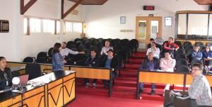 Secretária Mara Rebelo e equipe, reunida com os vereadores