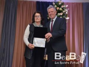 Sadi Machado,Cidadão Santiaguense, representado por sua esposa Marlene, uma indicação de todos os vereadores e entregue pelo Presidente Décio Loureiro.