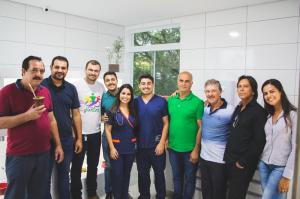 Presidente Tadeu Machado ,Vereador Dionathan Farias ,Prefeito Tiago Gorski  os proprietários Erika Benevenute Machado , Jorge Eric Benevenute com familiares e amigos