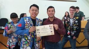 Vereador Joel Oliveira e o intercambista  Wei-Chi de Taiwan