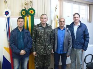 Vereador Joel Oliveira,General Flavio Lajoia,Presidente da câmara Tadeu Machado e Vereador Davi Vernier