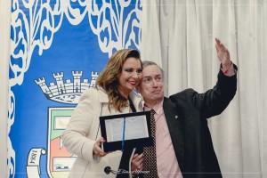 Agraciada com o Título de Cidadã Santiaguense pelo Vereador Nelson Abreu
